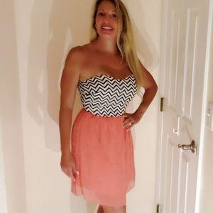 Black & White & peach chiffon Dress Small